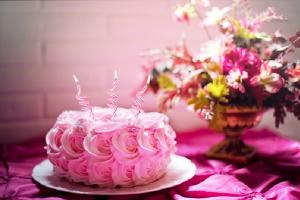 "Wonderful Flowers to Wish Your Girlfriend a ""Upbeat Birthday"""